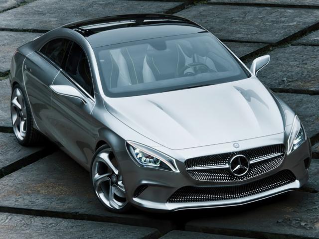 Mercedes sắp tung ra CLA45 AMG