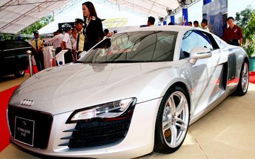 Ôtô nhập khẩu giảm mạnh trong tháng 2