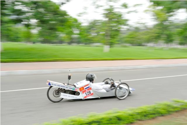 Xác lập kỷ lục mới về tiết kiệm nhiên liệu: 1 lít/1.091km