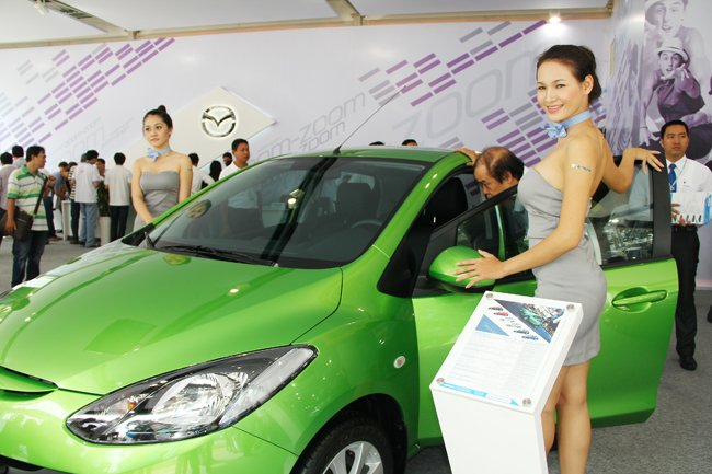 Thị trường ô tô tiếp tục đà đi lên