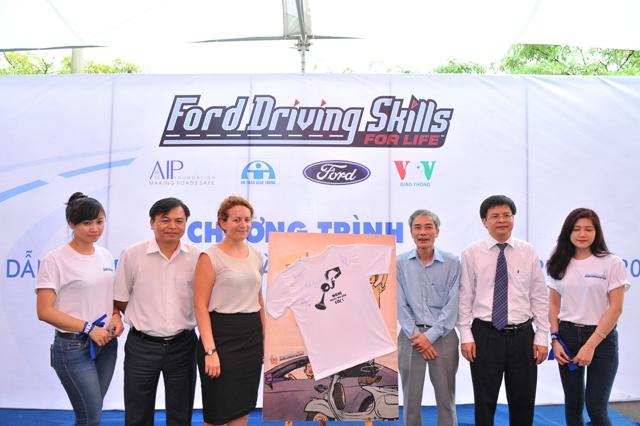 """Ford Việt Nam phát động """"ngày KO CÒI"""" lần thứ 6"""