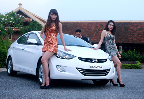 Hyundai Elantra thêm lửa cho phân khúc hạng C