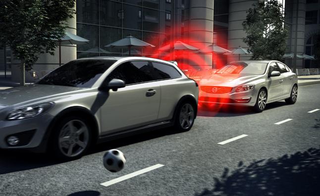Volvo tiếp tục nâng cấp công nghệ cảnh báo an toàn cho xe hơi