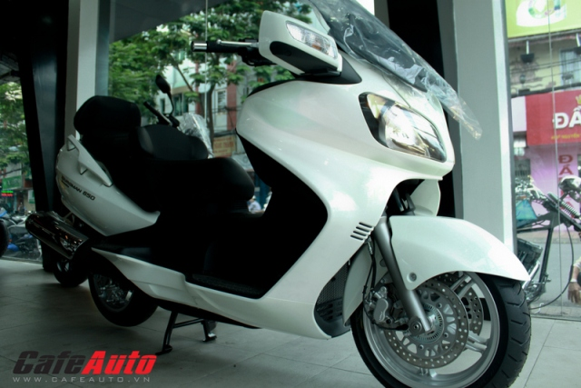 Suzuki Burgman 650 Excutive thứ 3 về Việt Nam