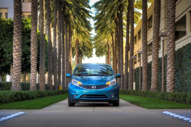 Nissan Versa Note 2014 có giá từ 13.990 USD