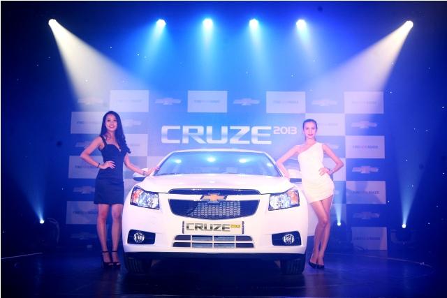 Chevrolet Cruze 2013: thêm tính năng, tăng giá bán