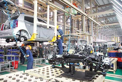 Công nghiệp ô tô Việt chỉ còn là... chuyện trên giấy?