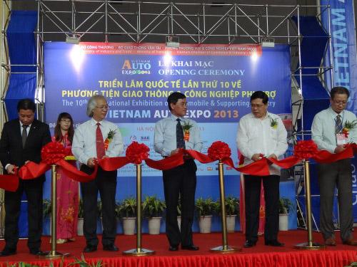 Vietnam Auto Expo 2013 chính thức khai mạc
