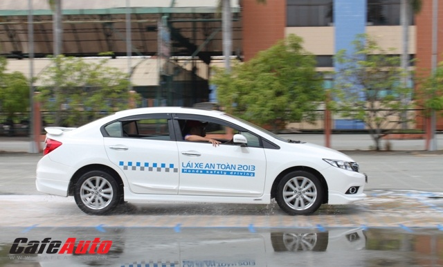 Honda Việt Nam tổ chức hướng dẫn lái xe an toàn
