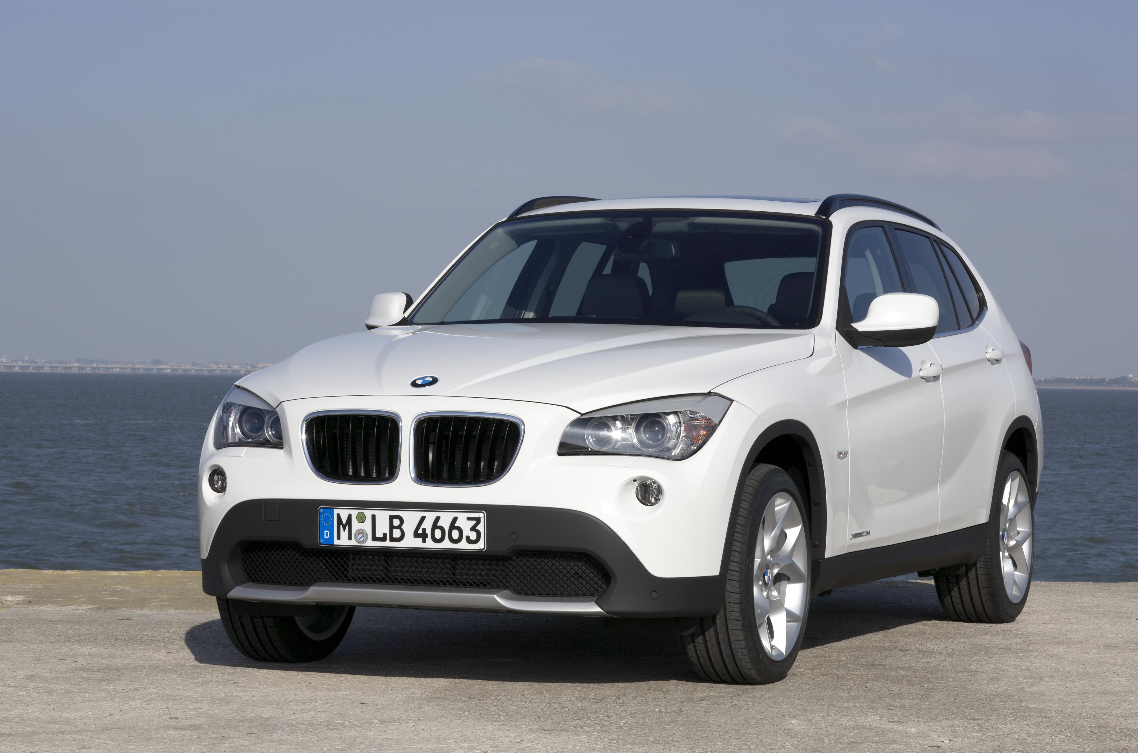 Nhận ngay ưu đãi 7% khi mua BMW X1 18i và 750i
