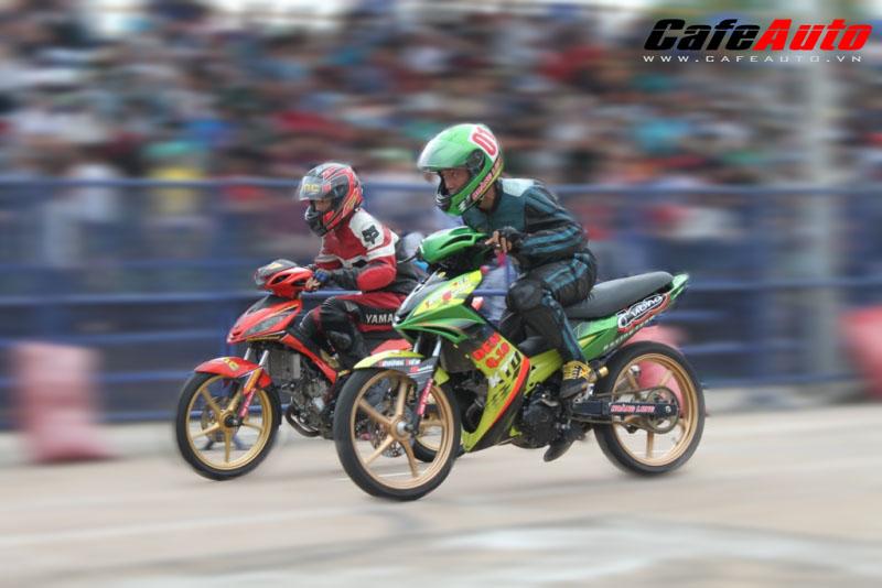 Giải đua xe mô tô 125cc - 135cc: gay cấn và hấp dẫn