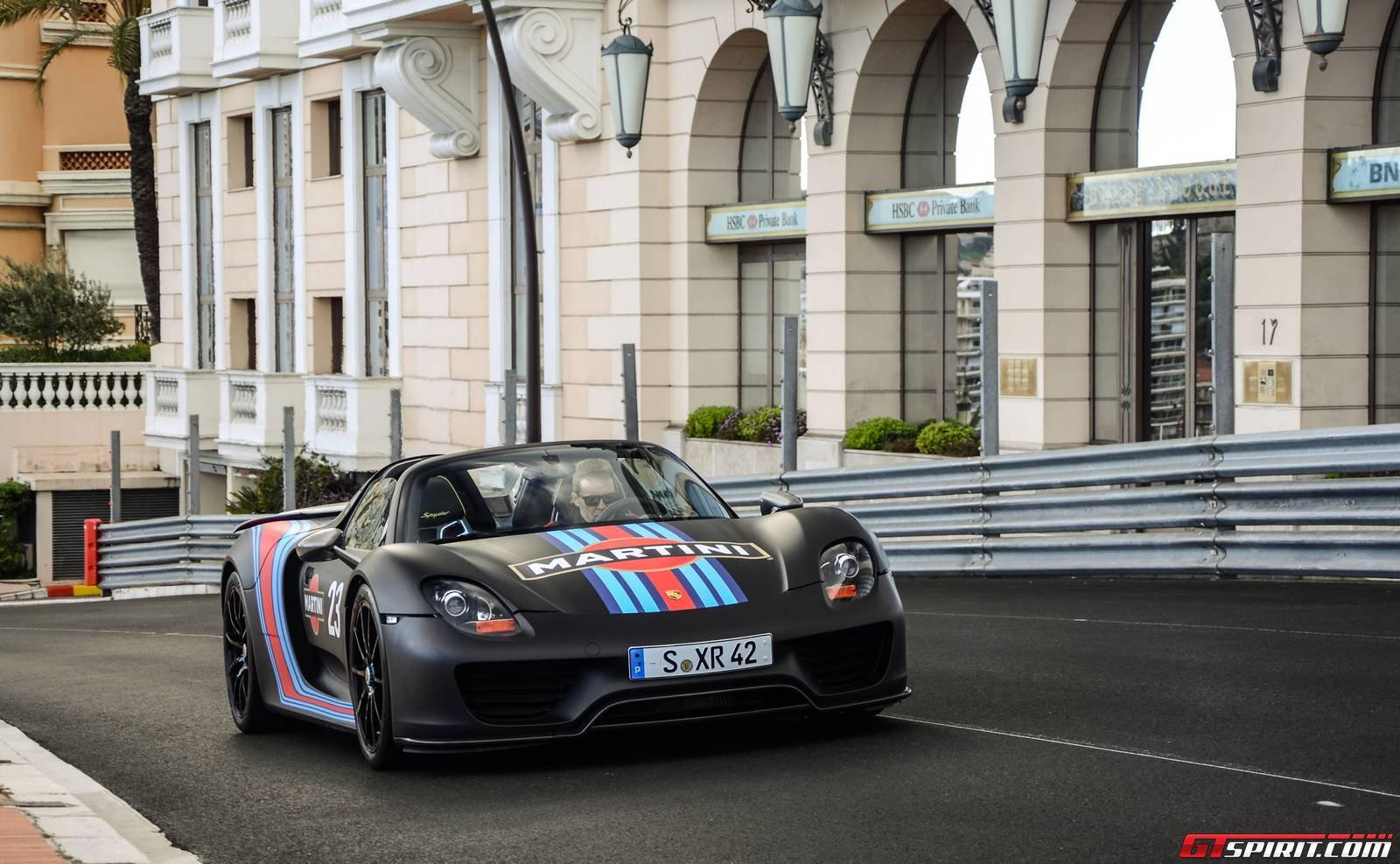 Porsche sắp chế tạo mẫu sedan dựa trên 918 Spyder