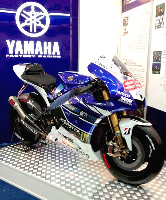 Cận cảnh xe mô tô triệu đô của Yamaha