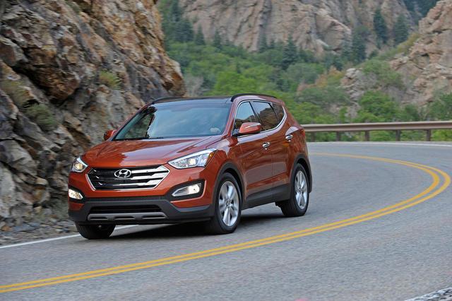 Hyundai Santa Fe Sport 2014 có giá từ 25,605 USD