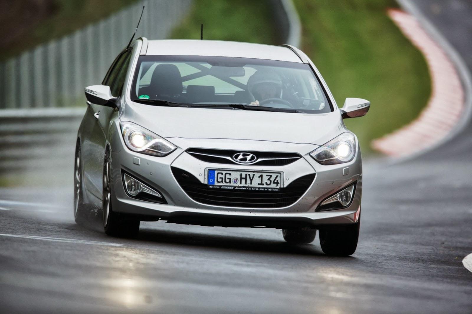 Hyundai sắp thử xe ngay tại sân nhà của Mercedes
