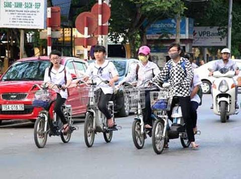 Không kiểm soát được xe đạp điện, TNGT sẽ tăng nhanh!
