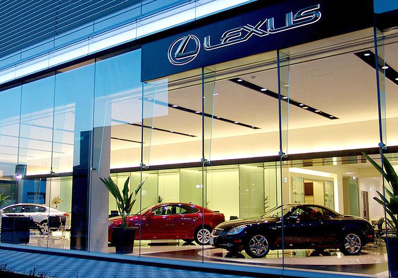 Lexus - thương hiệu của những người giàu