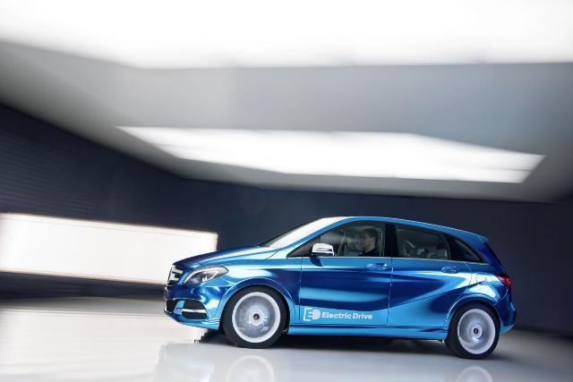 Mercedes B-Class EV sẽ được tốt hơn BMW i3