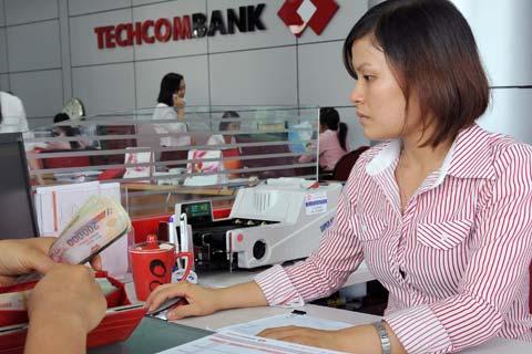 Techcombank cho vay mua xe với lãi suất 9,99%/năm