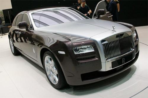 Thuế nhập ôtô 'lấy của người nghèo chia cho nhà giàu'