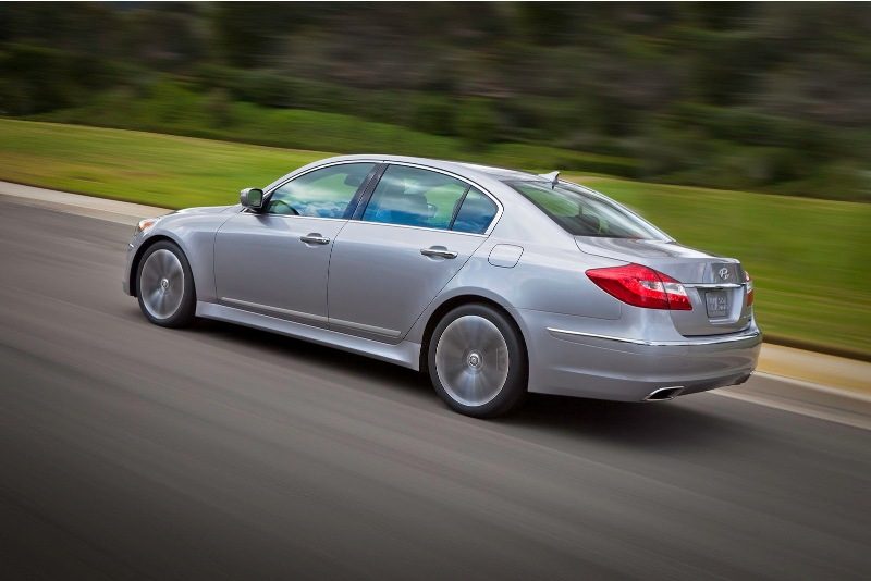 Hyundai nâng cấp nhẹ Genesis Sedan