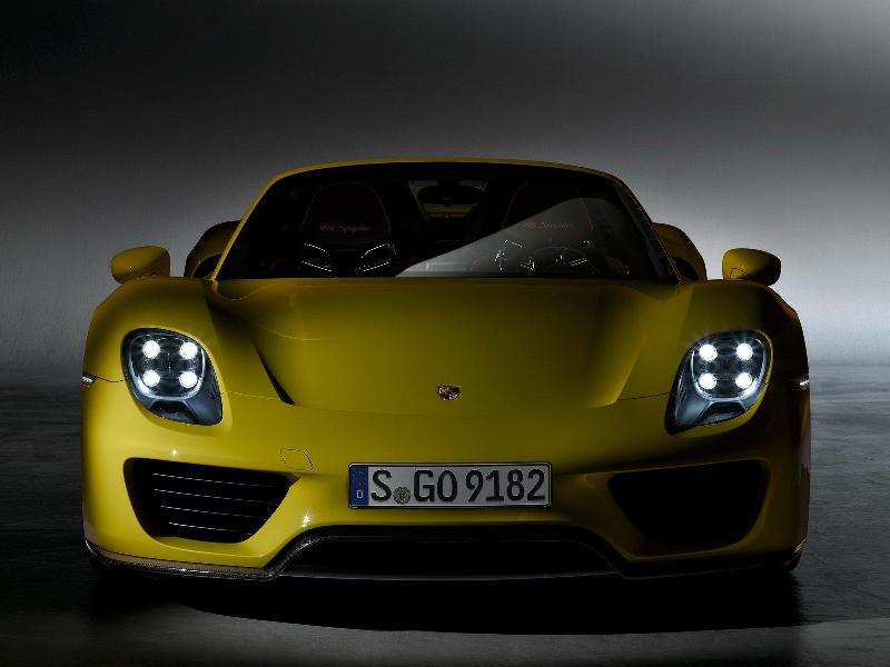 Porsche 918 Spyder thêm cá tính bằng tông vàng bắt mắt