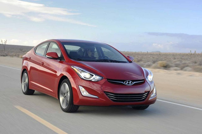 Hyundai Elantra 2014 giá từ 18,010 USD