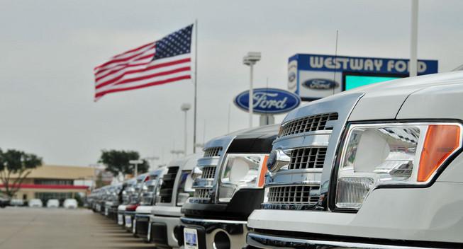 10 xe bán chạy nhất thị trường Mỹ năm 2013
