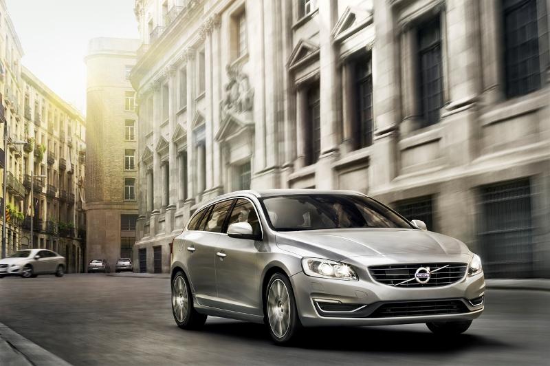 Volvo V60 2014 có giá từ 35.300 USD