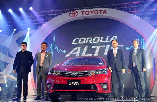 Toyota Corolla Altis 2014 ra mắt tại Philippin giá từ 400 triệu