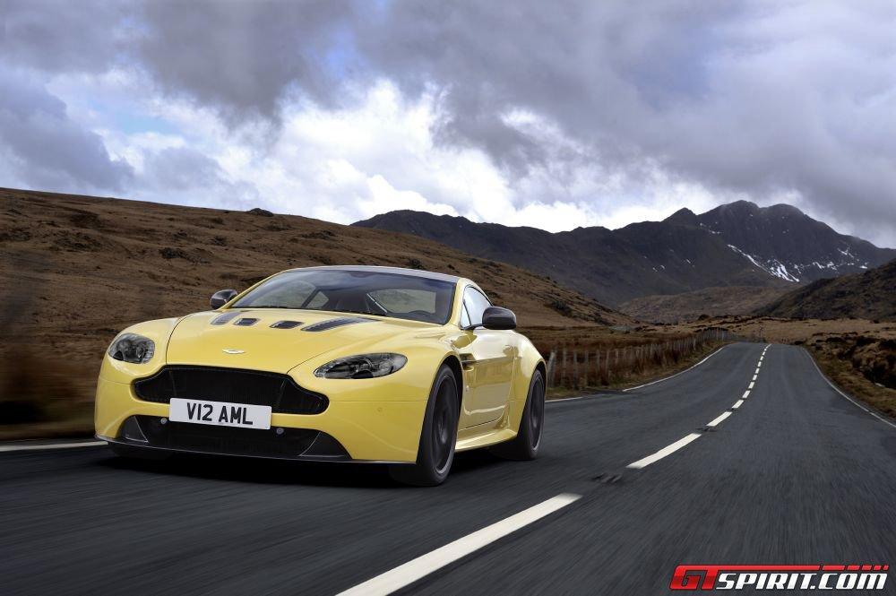 Hơn 5.000 chiếc Aston Martin sẽ bị triệu hồi