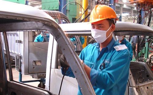 """Công nghiệp ôtô Việt: """"Quẳng"""" xe hơi đi và vui sống?"""