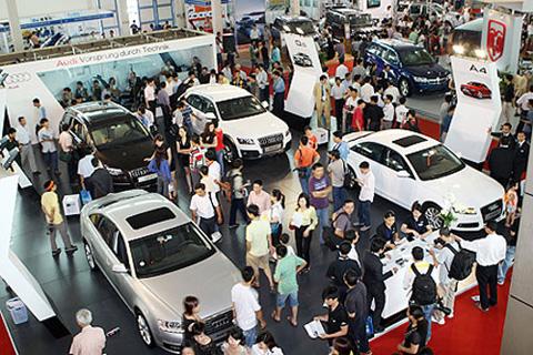 Ôtô 300 triệu, dân Việt ghen tỵ người Thái, Indonesia