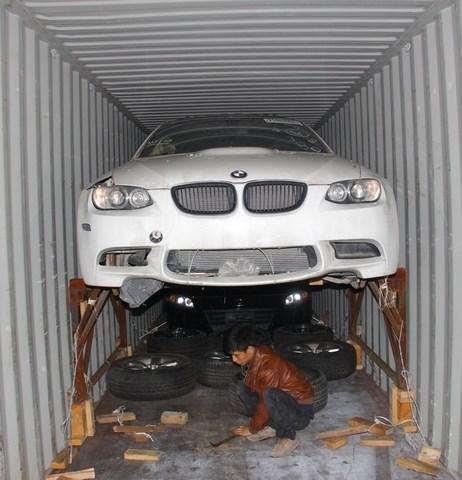 Mánh nhập lậu ôtô không tưởng qua mặt hải quan