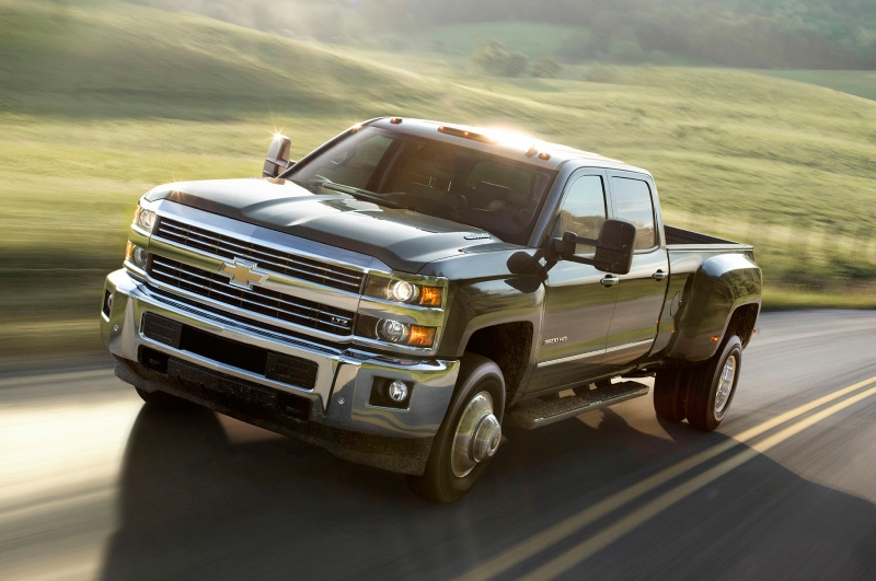 Chevrolet Silverado 3500 HD thách thức Ford F – Series Super Duty