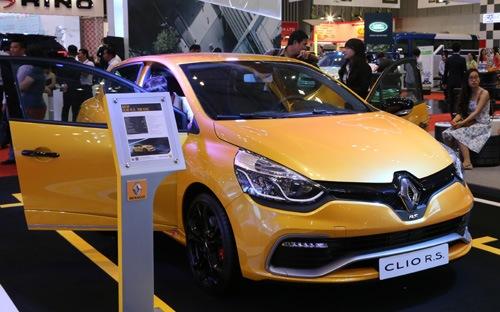 Đầu năm nhập khẩu hơn 10.000 ôtô nguyên chiếc