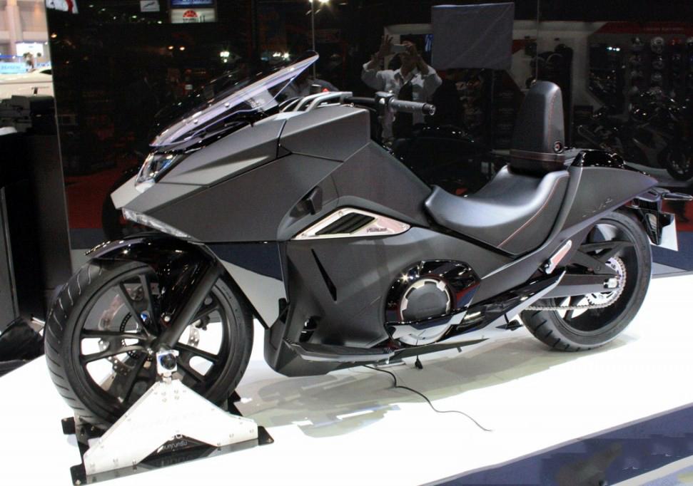 Xem đội hình mô tô 2015 của Honda