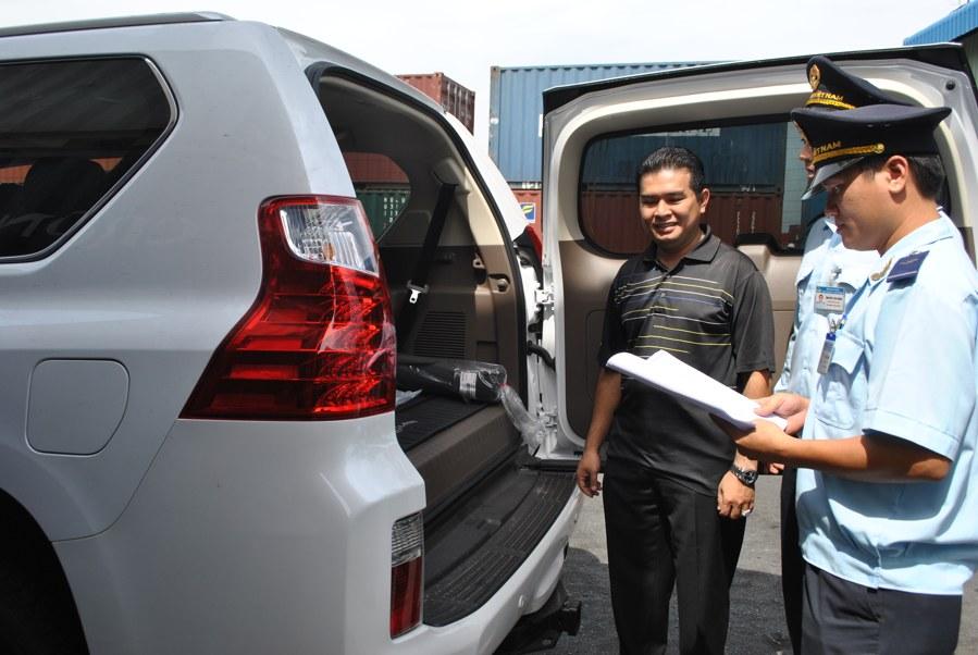 Phối hợp quản lý xe Việt kiều NK