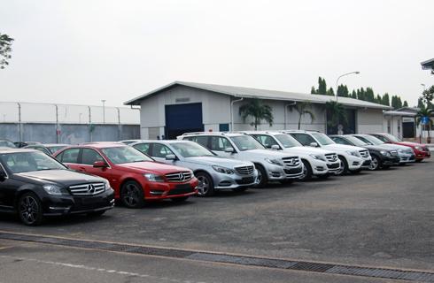 Xe sang Việt Nam tăng trưởng nóng
