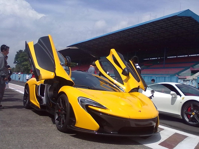 Siêu xe triệu đô McLaren P1 bất ngờ cập bến Indonesia
