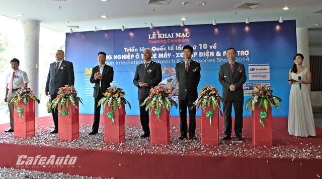 Gần 500 gian hàng trưng bày tại Saigon Autotech 2014