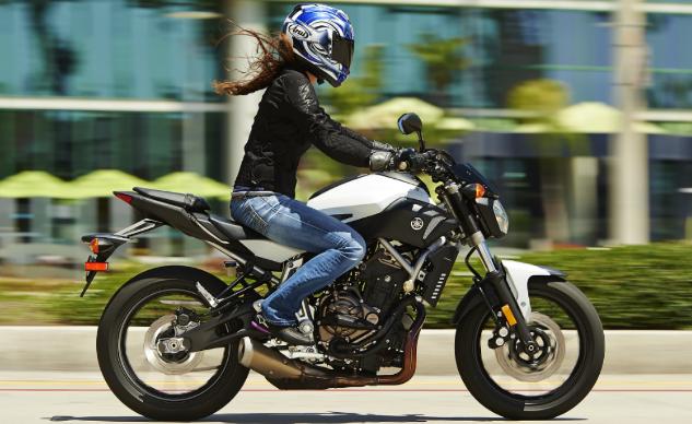 Yamaha tiết lộ giá bán dòng Nakedbike FZ-07