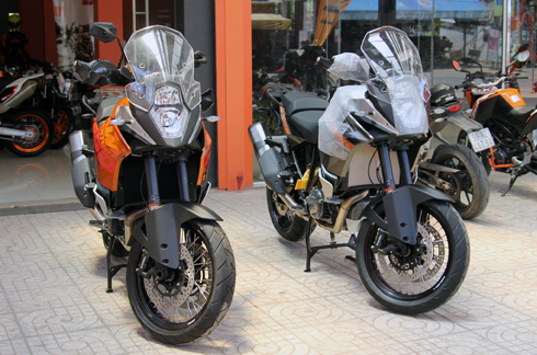 Bộ đôi KTM 1190 Adventure 2014 về Việt Nam