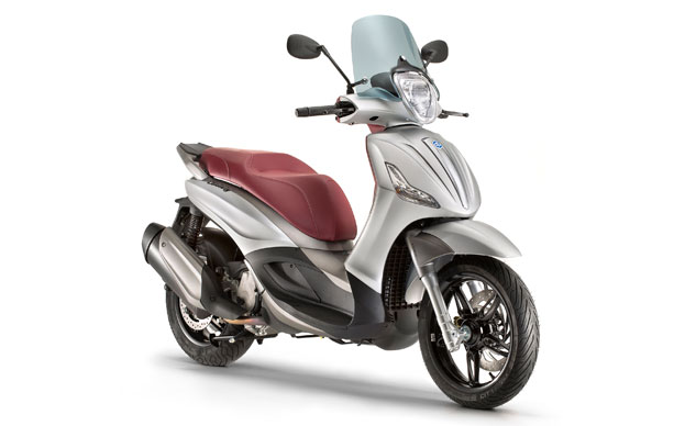 Piaggio ra mắt Beverly 350 SportTouring 2015