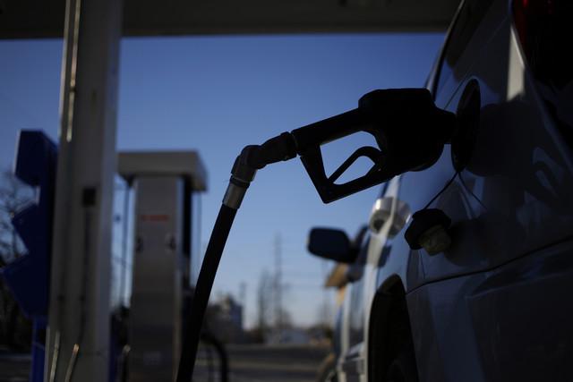 Giá xăng dầu đồng loạt tăng cao nhất kể từ đầu năm