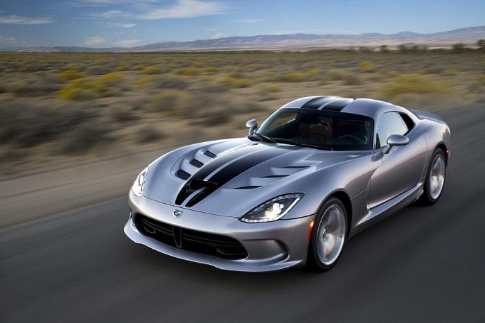 Dodge Viper SRT 2015 gây sốc khi giảm giá 15.000 USD