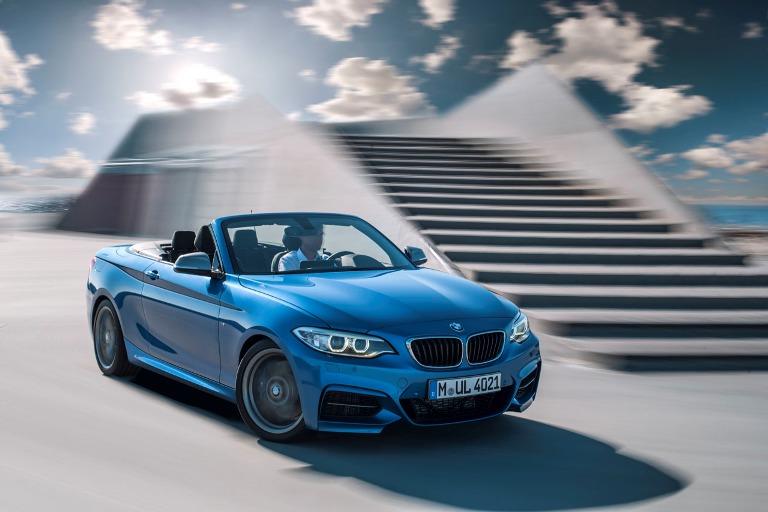 """Mui trần """"giá rẻ"""" của BMW chính thức ra mắt"""