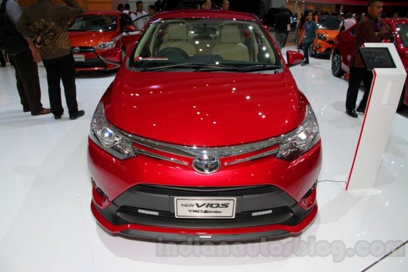 Toyota ra mắt Vios phiên bản đặc biệt, đối đầu Honda City