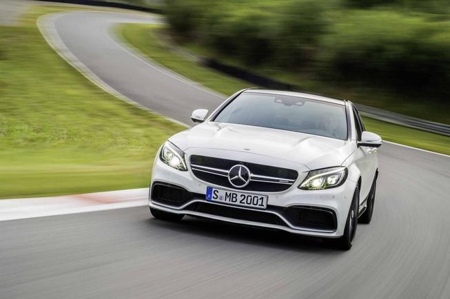 Mercedes-Benz tiết lộ ảnh chính thức C63 AMG 2016