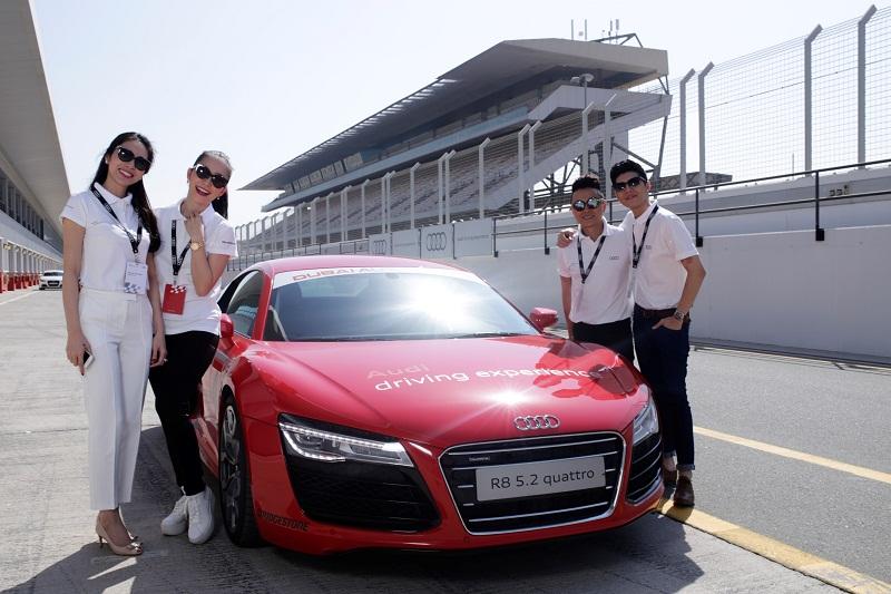 Người Việt lái thử Audi R8 tại Dubai